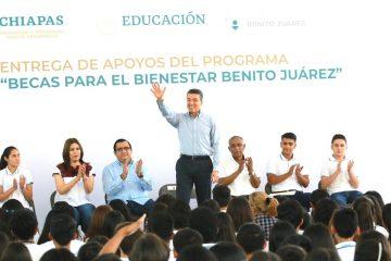 Apoyar a la niñez y juventud es garantizar un mejor presente y porvenir para Chiapas: Rutilio Escandón