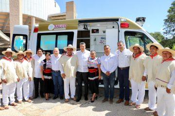 Entrega Rutilio Escandón ambulancia equipada con tecnología de punta para el municipio de Chanal