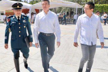 Atestigua Llaven toma de protesta de nuevo comandante de la VII Región Militar