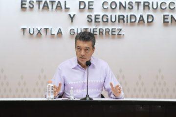 Rutilio Escandón reconoce el esfuerzo del personal de salud