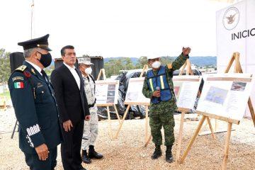 Coloca Rutilio Escandón primera piedra de las instalaciones de la Guardia Nacional en SCLC