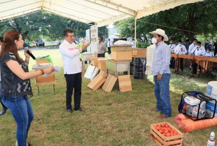 Con apoyos directos a productores, Rutilio Escandón fortalece al campo