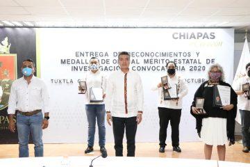 Rutilio Escandón entrega Reconocimiento al Mérito Estatal de Investigación 2020