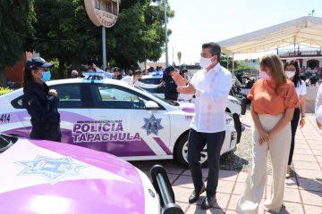 """En Tapachula, fortalece Rutilio Escandón a policías e inaugura Programa """"Mujeres Constructoras de Paz"""""""