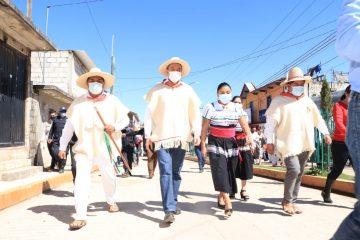 Rutilio Escandón reinaugura el Centro de Salud con Hospitalización y la Casa Materna de Chanal