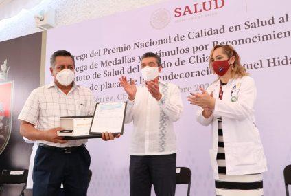 Entrega Rutilio Escandón Premio Nacional de Calidad en Salud al Laboratorio Estatal de Salud Pública