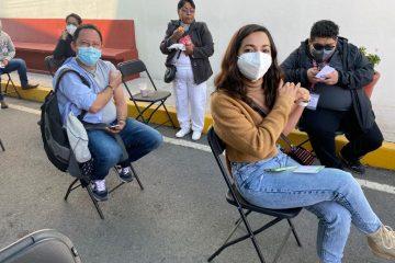 Personal de salud de Chiapas que apoya en la CDMX es vacunado contra COVID