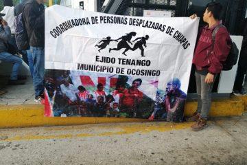 Desplazados toman caseta de cobro en Chiapa de Corzo