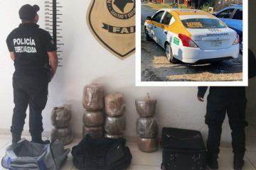 Encuentran 11 paquetes de marihuana en taxi abandonado en Tuxtla Chico