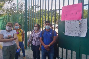 Maestros de apoyo educativo exigen pagos pendientes a la Secretaría de Educación de Chiapas