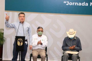 Entregan títulos de propiedad del Registro Agrario Nacional a más de mil 100 familias de Villaflores