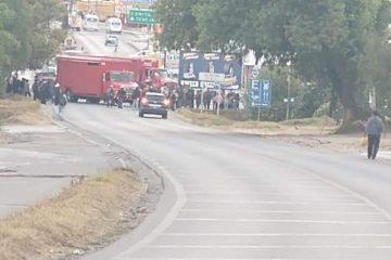 Protestan empresarios por constantes bloqueos carreteros