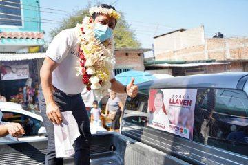 Realiza Llaven Abarca brigadeo casa por casa en Suchiapa