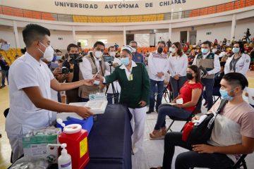 La meta es vacunar a 121 mil trabajadores del sector educativo: IMSS