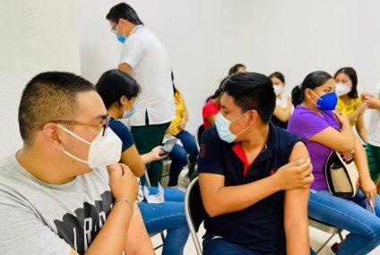 Vacunación en el sector educativo alcanzó a 112 mil trabajadores