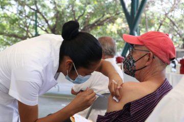 Se cumple meta de vacunación a personas adultas mayores en Tuxtla Gutiérrez