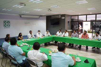 Llaven Abarca se reúne con Arquitectos y Restauranteros de Chiapas