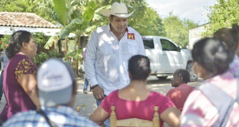 Propone Gleason Caram mejorar la comunicación vial entre poblados de Tonalá