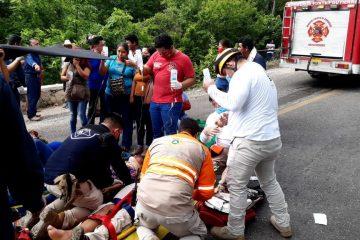 Accidente carretero deja 23 heridos en Chiapas