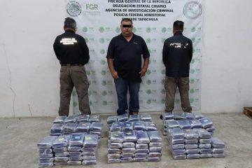 Sujeto ocultaba 178 paquetes de droga en cajas con plátano