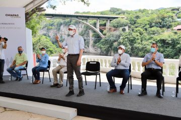 Constata Rutilio Escandón trabajos de limpieza permanente en el Cañón del Sumidero