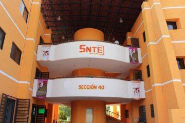 Maestros del SNTE visitan escuelas vandalizadas durante la pandemia